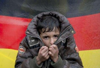 Беженцы в Германии ежедневно подвергаются насилию