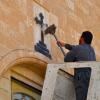 Бұрынғы священник қысқа юбка киген әйелдерді көріп, исламды қабылдағанын айтып берді (фото)